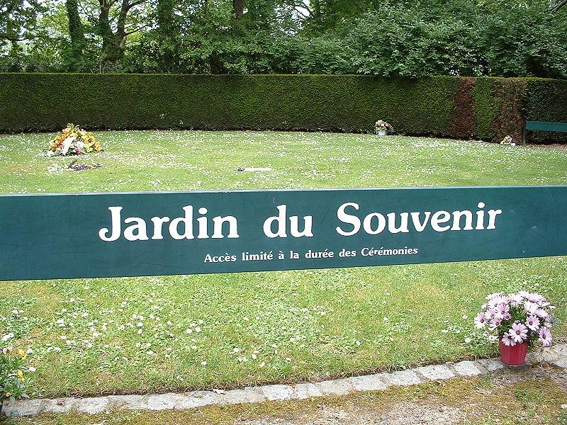 Jardin du souvenir for Cendre pour le jardin