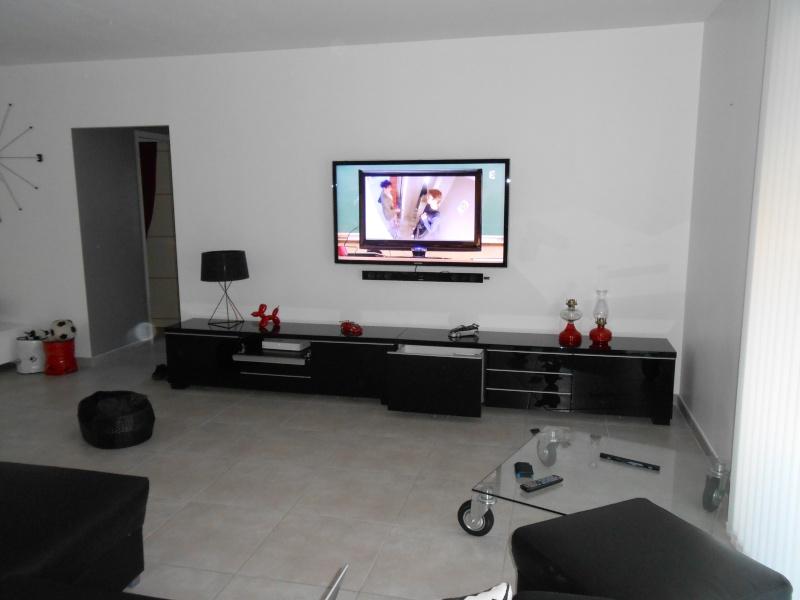 jodis31 quoi mettre au dessus du meuble sam page 3. Black Bedroom Furniture Sets. Home Design Ideas