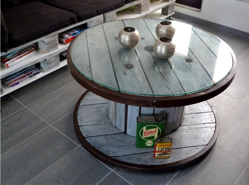 bois de r cup et fabrication de meubles. Black Bedroom Furniture Sets. Home Design Ideas
