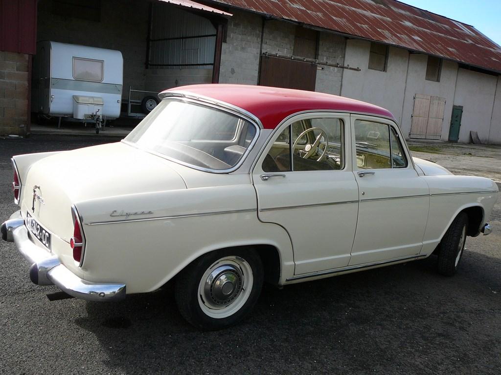 planete 205 simca aronde rush elysee de 1961 les vieilles peugeot et les voitures d 39 exception. Black Bedroom Furniture Sets. Home Design Ideas