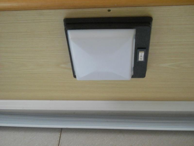 Plafoniera Camper 12v : Plafoniere camper v audew led lampada luci lettura soffitto