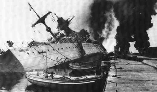 La flotte française se saborde à Toulon toulon10