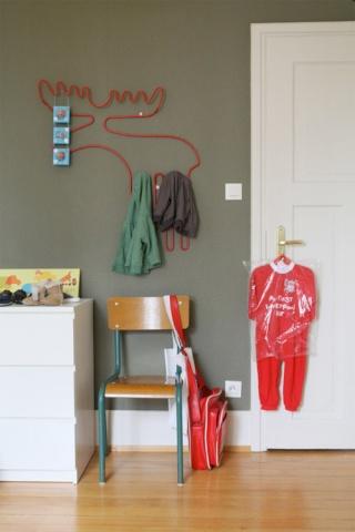 Une chambre refaire nouvelles photos for Chambre kaki et blanc